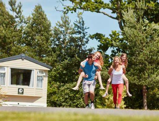 Family-Piggyback-Forest-Caravan