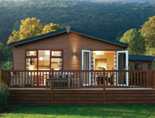 Lodges-in-Cheddar-Woods-Resort-and-Spa